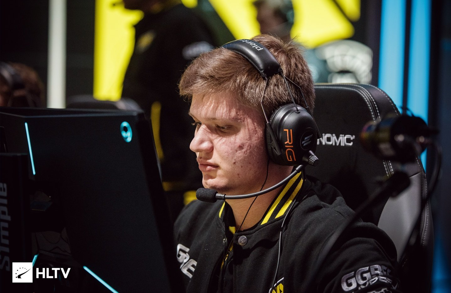 s1mple CS:GO Settings, Gear, Config & Crosshair 2019