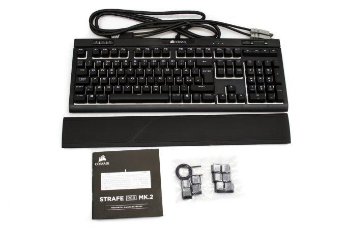 CORSAIR STRAFE MK2 box content